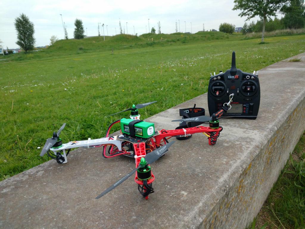 Hobbyking Whirlwind F450 Spektrum DX8 G2 radio