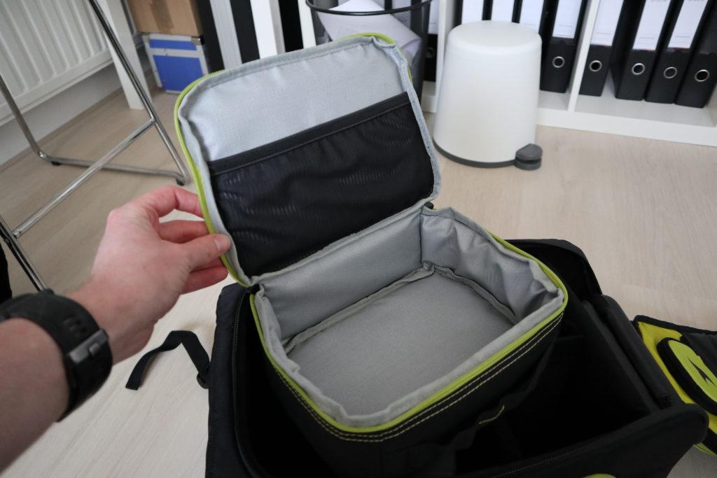 De geopende Lipo safe pouch.