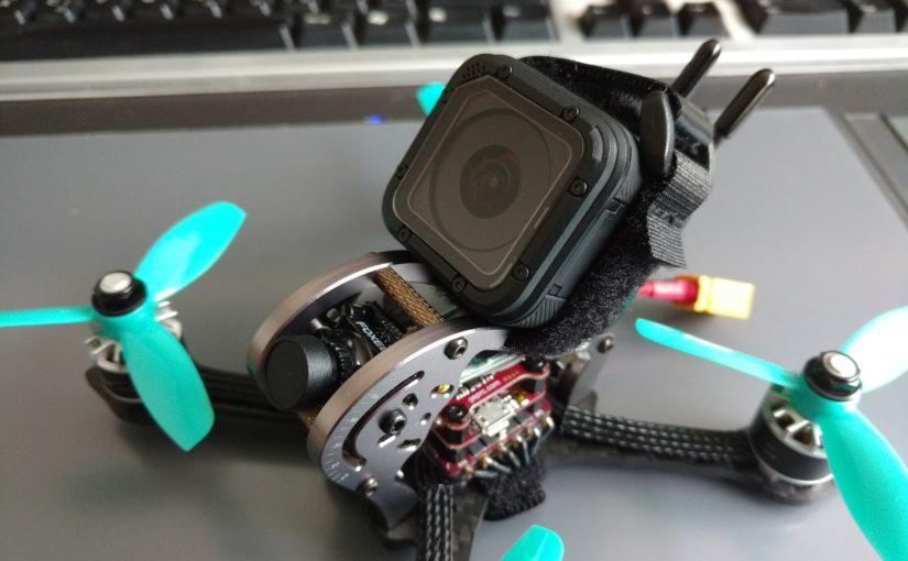 Een GoPro Session op een drie inch race drone