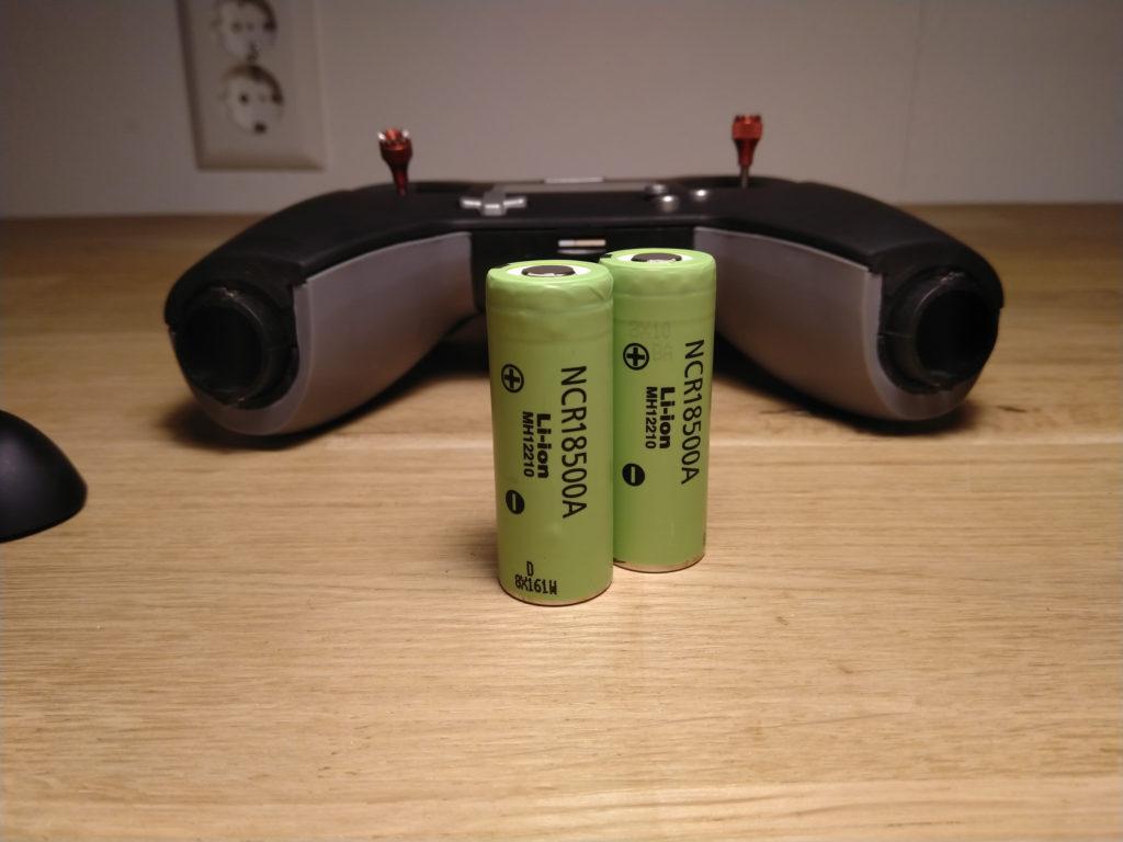 Twee 18500 batterijen voor in de X-lite.